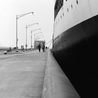 SHIP-IN-LOCK-massena-NY