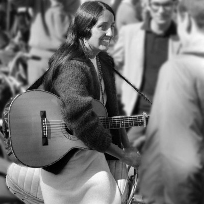 Joan-Baez-motorcycle-1966